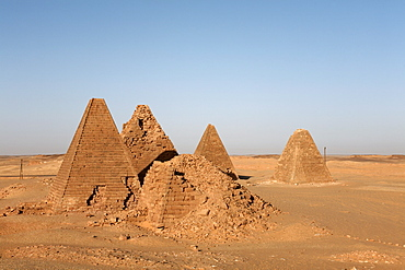 The pyramids at Jebel Barkal, used by Napatan Kings during the 3rd century BC, Karima, UNESCO World Heritage Site, Sudan, Africa