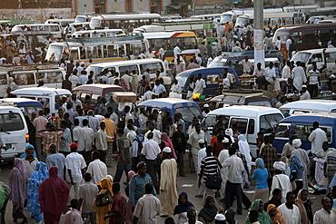 Crowds in Souq al-Arabi, the center of Khartoum, Sudan, Africa
