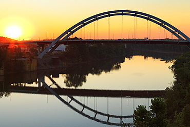 Gateway Bridge over the Cumberland River, Nashville, Tennessee, United States of America, North America