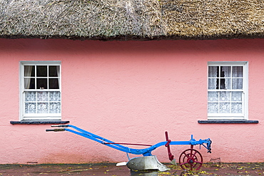 Golden Vale Farmhouse in Bunratty Castle and Folk Park, County Clare, Munster, Republic of Ireland, Europe