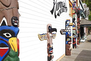 Totem Pole on 5th Avenue, Skagway, Alaska, United States of America, North America