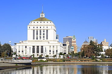 Alameda County Court House and Lake Merritt, Oakland, California, United States of America, North America