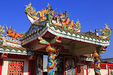 Gateway to Hainan Temple, Nathon City, Koh Samui Island, Thailand, Southeast Asia, Asia