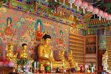Buddhist Temple, Nampo District, Busan, South Korea, Asia