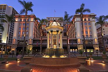 Broadway Fountain and U.S. Grant Hotel, Gaslamp Quarter, San Diego, California, United States of America, North America