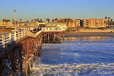 Crystal Pier, Pacific Beach, San Diego, California, United States of America, North America