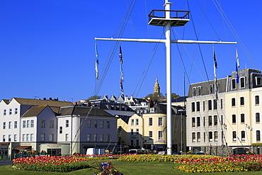 Memorial Mast, North Esplanade, St. Peter Port, Guernsey, Channel Islands, United Kingdom, Europe