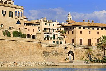 Old City Walls, Parc del Mar, Palma De Mallorca, Majorca, Balearic Islands, Spain, Mediterranean, Europe