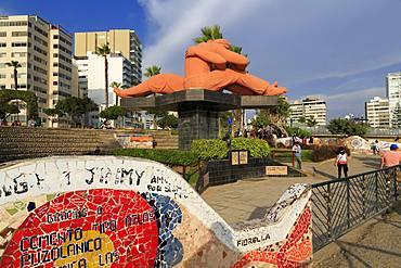 El Beso Sculpture, Parque de Amor, Mira Flores District, Lima, Peru, South America