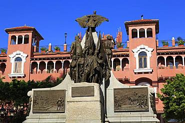 Simon Bolivar Monument and Colombia Hotel, Old Town, Panama City, Panama, Central America