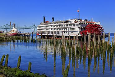 American Express Paddle Steamer, Astoria, Oregon, United States of America, North America
