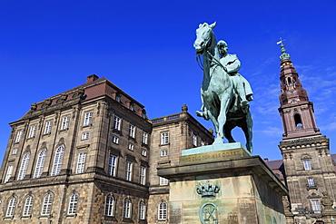 Christian IX statue, Christianborg Palace, Copenhagen, Zealand, Denmark, Scandinavia, Europe