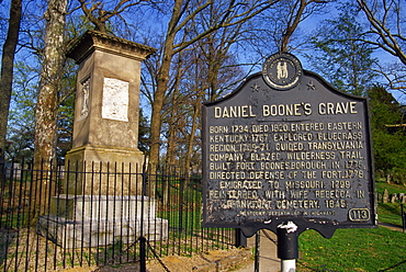 Daniel Boone's grave, Frankfort cemetery, Frankfort, Kentucky, United States of America, North America