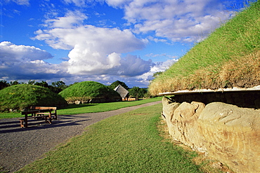 Knowth Stone Age site, Boyne Valley, County Meath, Leinster, Republic of Ireland, Europe
