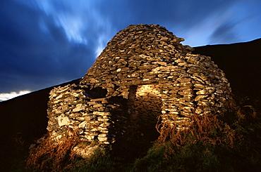Fahan beehive hut, Slea Head, County Kerry, Munster, Republic of Ireland, Europe