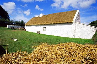 Muckross traditional farms, Killarney National Park, County Kerry, Munster, Republic of Ireland, Europe