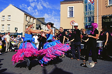 Street performers, annual Spraoi Street Festival, City of Waterford, County Waterford, Munster, Republic of Ireland, Europe