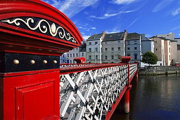 Foot bridge over the River Lee, City of Cork, County Cork, Munster, Republic of Ireland, Europe