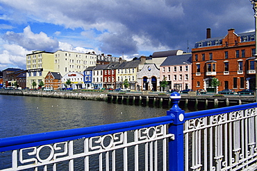 Brian Boru Bridge and St. Patrick's Quay, Cork City, County Cork, Munster, Republic of Ireland, Europe
