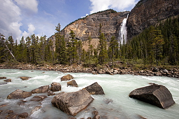 Kicking Horse River and Takakkaw Falls, Yoho National Park, UNESCO World Heritage Site, British Columbia, Rocky Mountains, Canada, North America