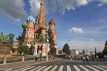 Onion domes of St. Basil's Cathedral in Red Square, UNESCO World Heritage Site, Moscow, Russia, Europe