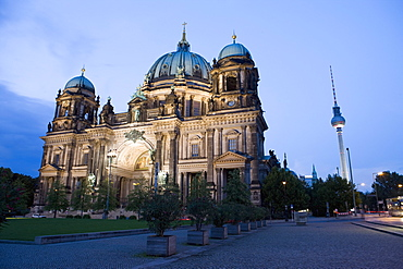 Berliner Dom cathedral at dusk with Fernsehturm (Television Tower), Telespargel (Toothpick) beyond, Berlin, Germany, Europe