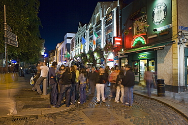 People gathered in Temple Bar, Dublin, Republic of Ireland, Europe