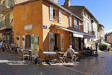 Back street restaurants, St. Tropez, Var, Provence, Cote d'Azur, France, Europe