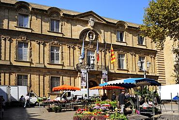 Flower Market in Place de L'Hotel de Ville Square, Aix-en-Provence, Bouches-du-Rhone, Provence, France, Europe