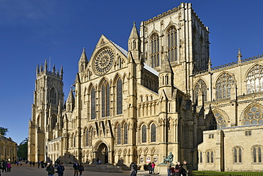 South Piazza, South Transept of York Minster, Gothic Cathedral, York, Yorkshire, England, United Kingdom, Europe