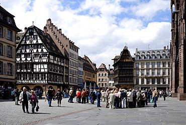 Place de la Cathedrale, Strasbourg, Alsace, France, Europe