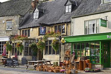 Public house and shop, High Street, Burford, Cotswolds, Oxfordshire, England, United Kingdom, Europe