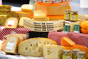 Dutch cheese on a market stall, Marktstraat, Alkmaar, North Holland, Netherlands, Europe