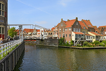 Bascule Bridge (Draw Bridge) and houses in the port of Enkhuizen, North Holland, Netherlands, Europe