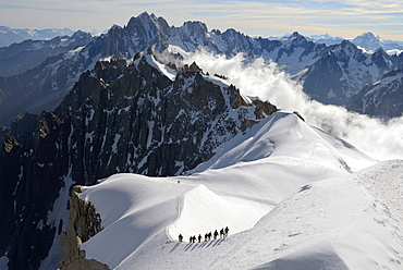 Mountaineers and climbers, Aiguille du Midi, Mont Blanc Massif, Chamonix, Haute Savoie, French Alps, France, Europe