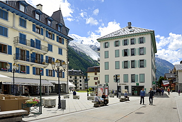Hotel and shops, Chamonix Mont Blanc, French Alps, Haute Savoie, France, Europe