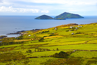 View from the roadside, Ring of Kerry, Iveragh Peninsula, Wild Atlantic Way, County Cork, Munster, Republic of Ireland, Europe