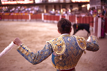 The main square of the village used as the Plaza de Toros, the bulls are young (novillos), Chinchon, Comunidad de Madrid, Spain, Europe