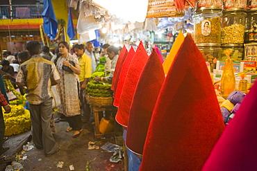 City market, Bangaluru (Bangalore), Karnataka, India, Asia