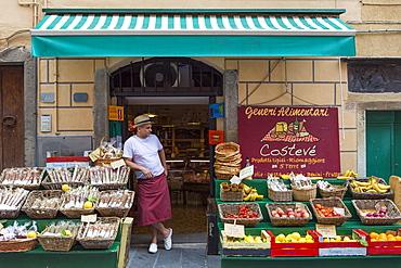 Typical shop in the clifftop village of Riomaggiore, Cinque Terre, UNESCO World Heritage Site, Liguria, Italy, Europe