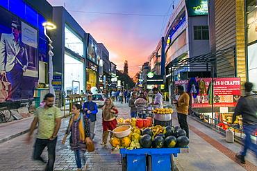 Busy Brigade Road shopping street, Bangalore (Bangaluru), capital of Karnataka, India, Asia