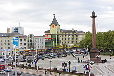 New shopping centre in the city centre, Ploshchad Pobedy (Pobedy Square), Kaliningrad, Russia, Europe