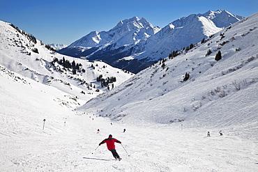 Mountain resort and ski pistes, St. Anton am Arlberg, Tirol, Austrian Alps, Austria, Europe