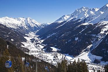View over St. Jakob from the slopes of the ski resort of St Anton, St. Anton am Arlberg, Tirol, Austrian Alps, Austria, Europe
