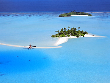 Aerial view of desert island with seaplane, South Male atoll, Maldives, Indian Ocean, Asia