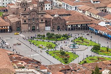 Cuzco cityscape with Plaza de Armas from hill above city, Cuzco, UNESCO World Heritage Site, Peru, South America