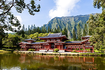 Byodo-In Temple, Valley of The Temples, Kaneohe, Oahu, Hawaii, United States of America, Pacific