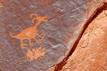 Petroglyphs at Sun's Eye, Monument Valley Navajo Tribal Park, Monument Valley, Utah, United States of America, North America