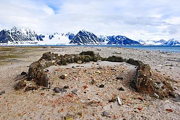 Old whaling station Amsterdamoya (Amsterdam island), Svalbard Archipelago, Norway, Arctic, Scandinavia, Europe