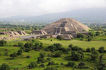 Mexico, Anahuac, Teotihuacan, Pyramid de la Luna.
